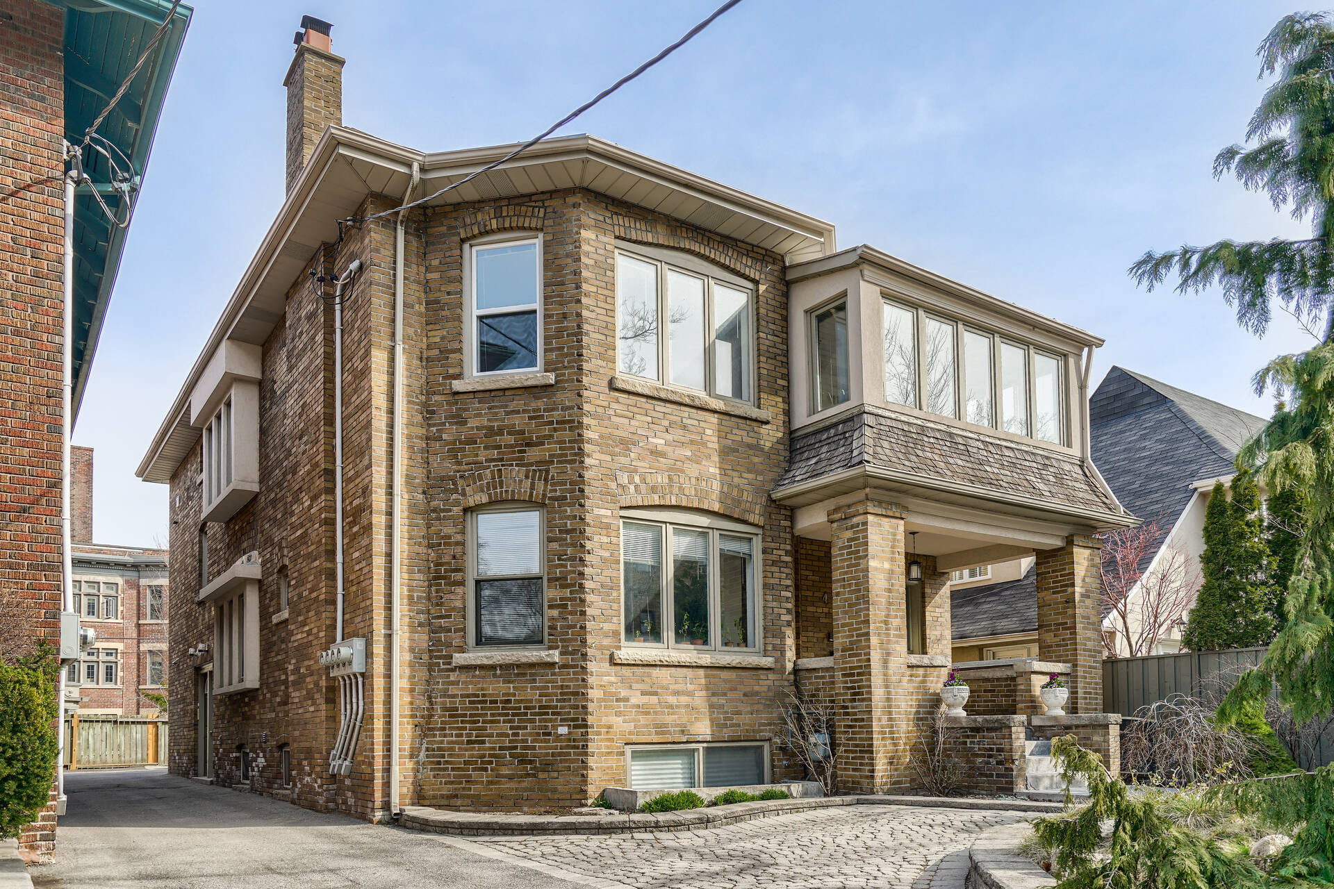 Amazing 4 Unit Residential Investment