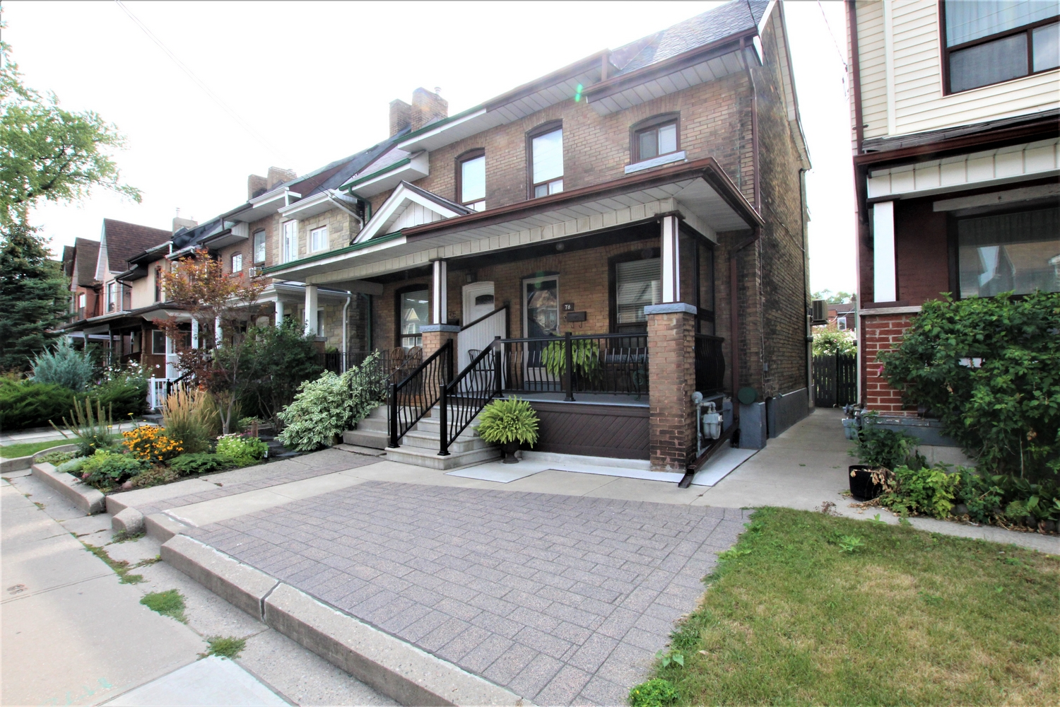 3 Bedroom Family Home for Rent with finished basement & Garage